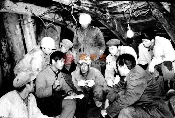 铁血铸辉煌 :最短命兵种将天堑变通途 - 爱历史 - 爱历史---老照片的故事