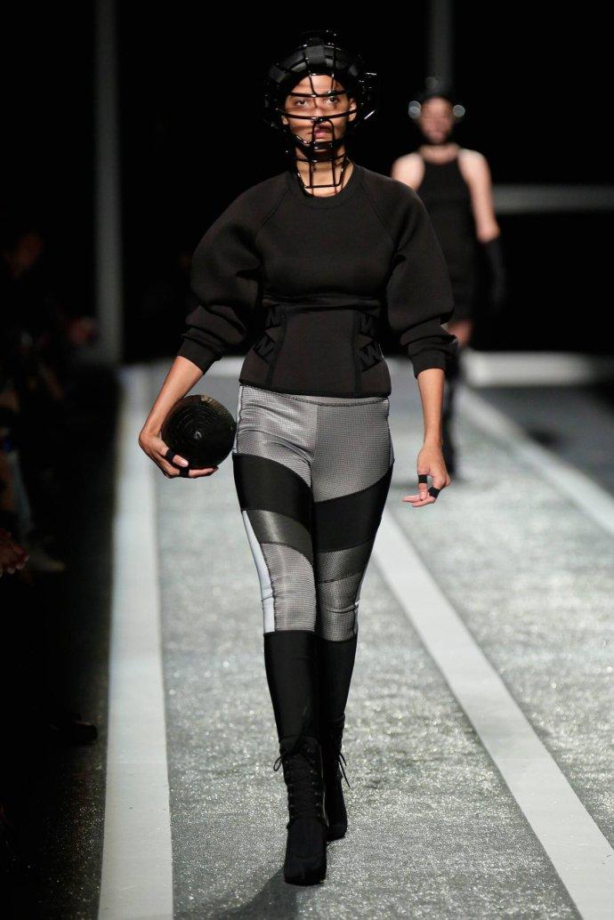 那些明星时尚大咖们教你怎么穿ALEXANDER WANG×HM - toni雌和尚 - toni 雌和尚的时尚经
