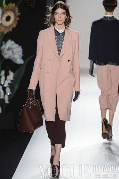 2013秋冬色彩趋势:玫瑰盛宴 - VOGUE时尚网 - VOGUE时尚网