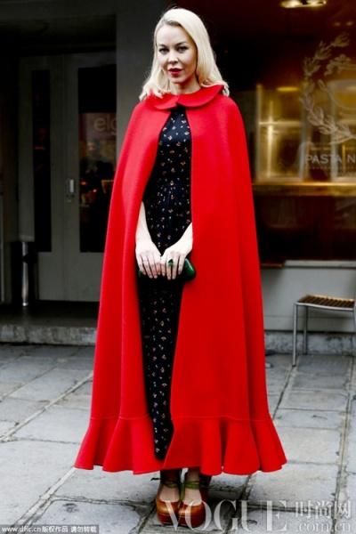 斗篷装 冬日着装调味剂 - VOGUE时尚网 - VOGUE时尚网