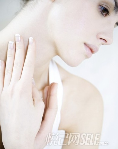 美颈5部保养法 紧致肌肤隐匿年龄 - 悦己女性网 - SELF悦己网