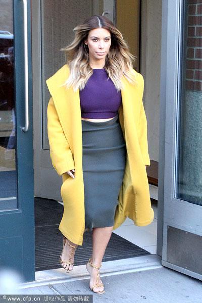 超大廓型外套如何穿出亲和感 - VOGUE时尚网 - VOGUE时尚网