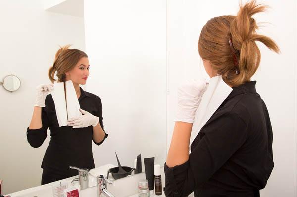 详细步骤图教你在家染发 - VOGUE时尚网 - VOGUE时尚网