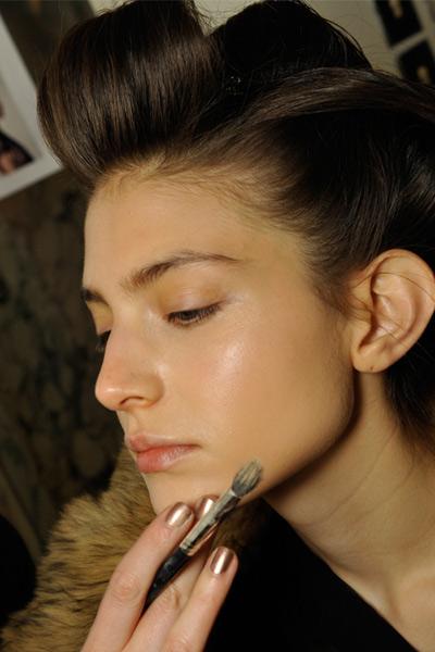 8个微整形前后的皮肤保养秘诀 - VOGUE时尚网 - VOGUE时尚网