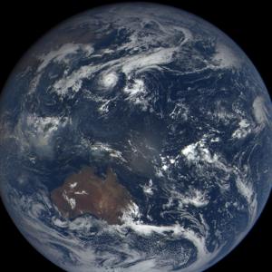 月球和水星上可能存在厚冰沉積物