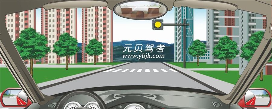 驾驶机动车遇到这种信号灯不断闪烁时怎样行驶?A、尽快加速通过B、靠边停车等待C、注意瞭望安全通过D、禁止通行答案是C