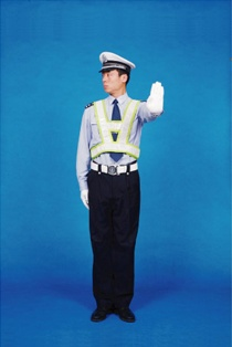 安阳考驾照网上预约_右转弯信号_交警手势图解