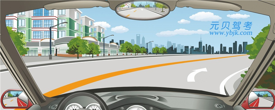 該車道路面導向箭頭提示前方道路右側有路口。答案是錯