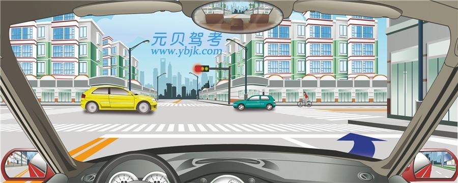 駕駛機動車可在該路口處向右變更車道。答案是錯
