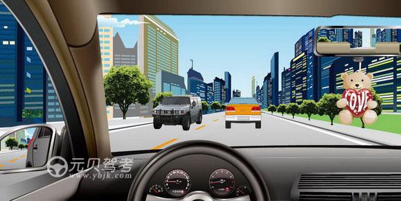 如圖所示,駕駛機動車時,前風窗玻璃處懸掛放置干擾視線的物品是錯誤的。答案是對